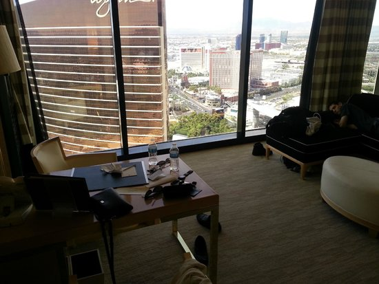 Encore At Wynn  Las Vegas: View from my suite on the 57th floor and living room