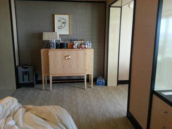 Encore At Wynn  Las Vegas: Very spacious bedroom