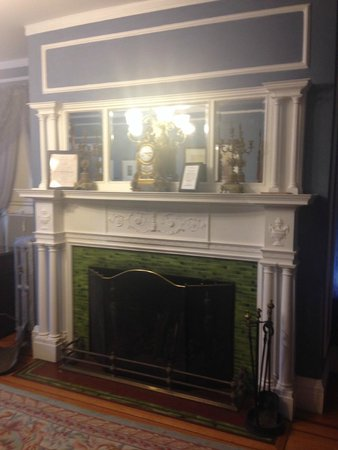 Edgewood Manor: The fireplace in the Colonial room with the barely functional air conditioner