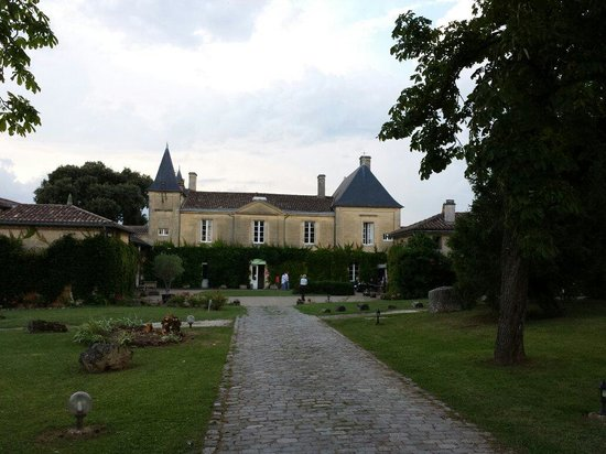 hostellerie de roques picture of chateau fleur de roques puisseguin tripadvisor. Black Bedroom Furniture Sets. Home Design Ideas