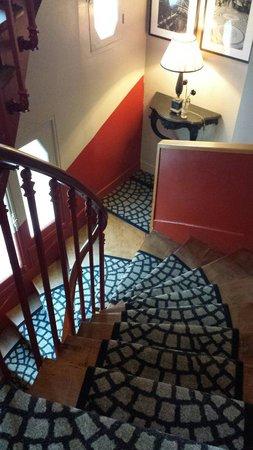 BEST WESTERN Trianon Rive Gauche Hotel: Treppe