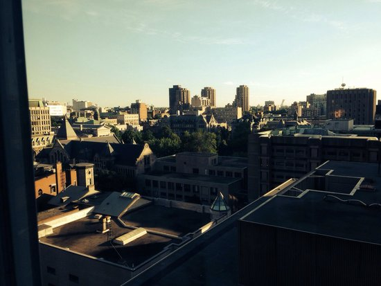 Best Western Ville-Marie Montreal Hotel & Suites: View from the room