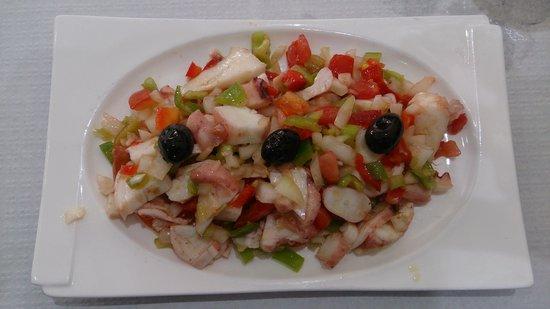 Restaurante Camino De Santiago: Salpicon de pulpo buenísimo