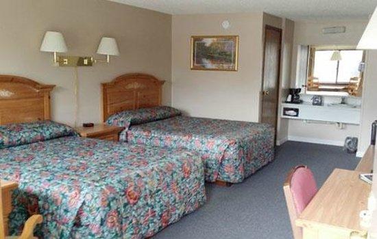 B & B Motel: Double Queen room