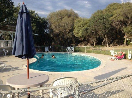Lazy J Ranch-Americas Best Value Inn: piscine
