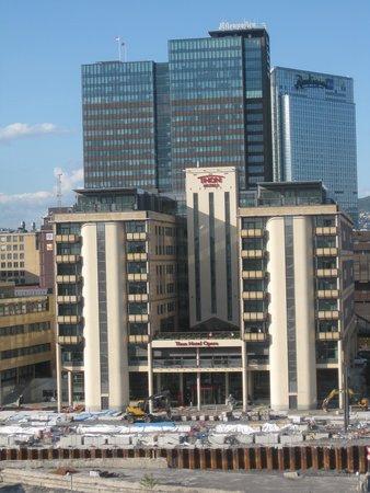 Thon Hotel Opera : sett fra operataket