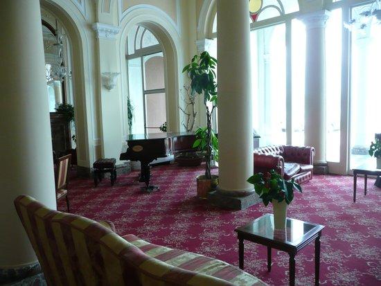 Grand Hotel Cadenabbia: foyer