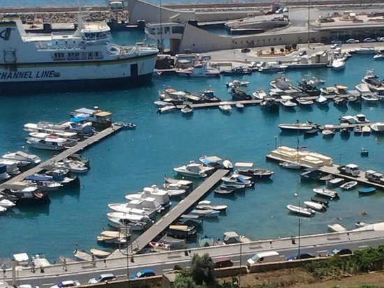 Grand Hotel Gozo: Mgarr Harbour