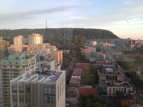 Hotel Omni Mont-Royal: Our view from the 28th floor