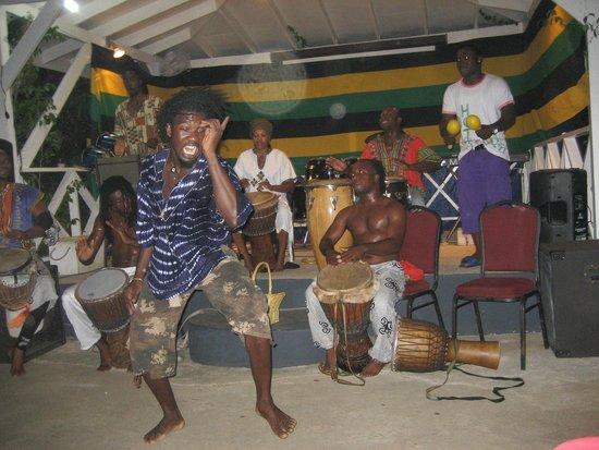 Seastar Inn: Saturday Night Seastar Drummers