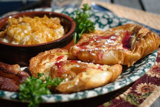 Outlook Inn Bed and Breakfast : Breakfast featuring locally sourced and home grown foods!