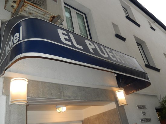 Hotel El Puerto: The Quaint Entrance