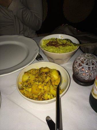 Ravi's Kitchen: Aloo gobi !!