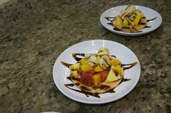Tranquilo Lodge: Fresh Fruit Dessert
