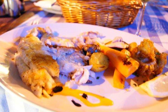 Marisqueria El Faro: Gegrillter Fisch mit Gemüse