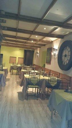 Le Ventoux restaurant Malaucene France: Restaurent bien simpa