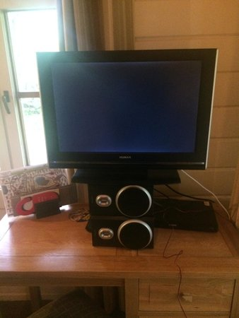 Chevin Country Park Hotel & Spa: TV solution to see it from the bed