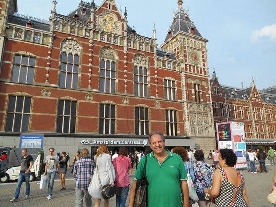 Holiday Inn Express Amsterdam - South: Estação Central Amsterdam