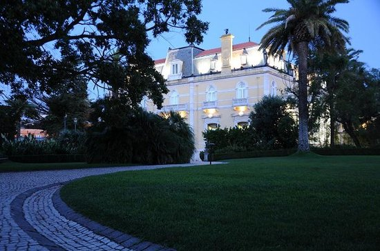 Pestana Palace Lisboa Hotel & National Monument : il fascino del Palazzo nella magia della sera