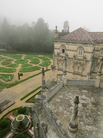 Bussaco Palace Hotel: Misty morning, the view from our room