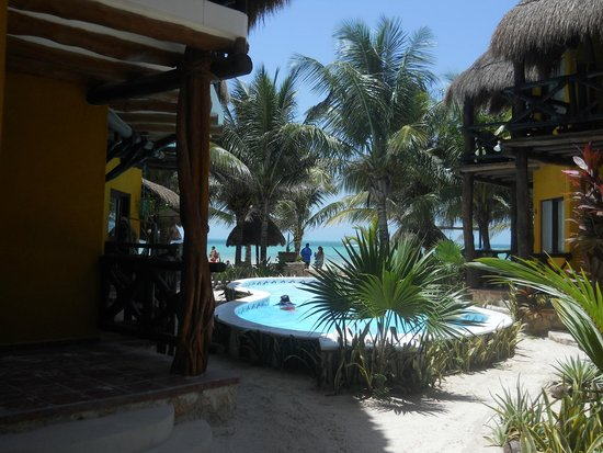 Holbox Dream Hotel by Xperience Hotels: Looking out to beach