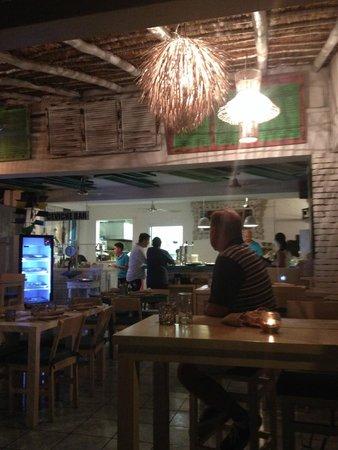 El Muelle Restaurant : Great, open setting