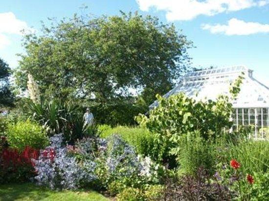 Broughton House & Garden: Broughton House garden