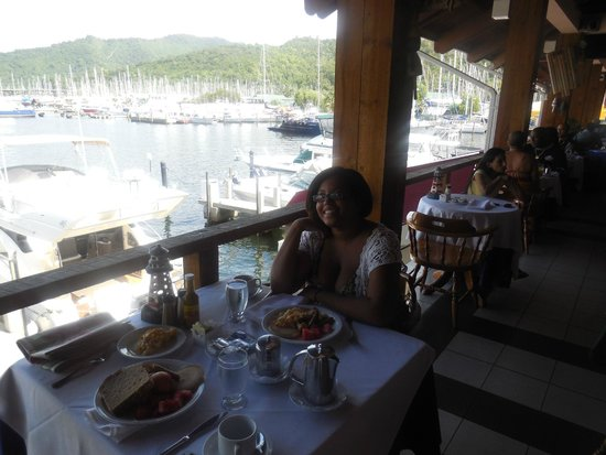 Crews Inn Hotel & Yachting Centre: breakfast with a view