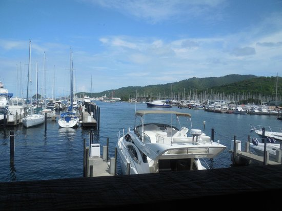 Crews Inn Hotel & Yachting Centre: view from restaurant