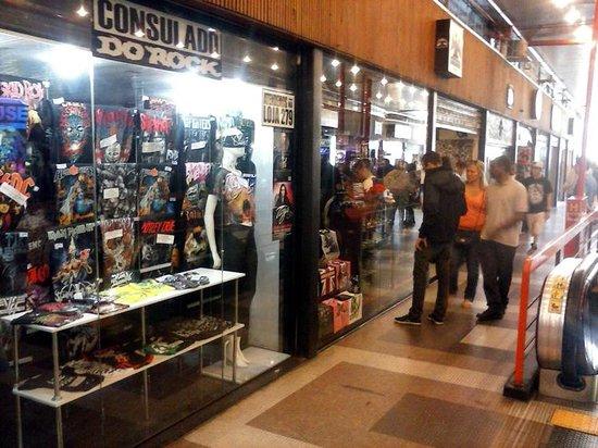 3cf7c807fd muitas lojas de camisetas: fotografía de Gallery of Rock, Sao Paulo ...