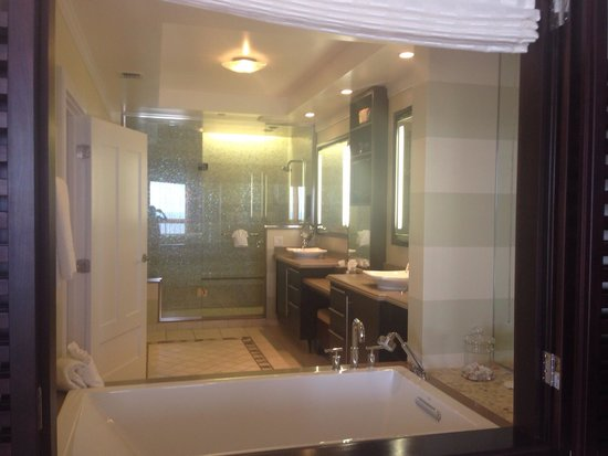 Hyatt Siesta Key Beach Resort, A Hyatt Residence Club : Master bath