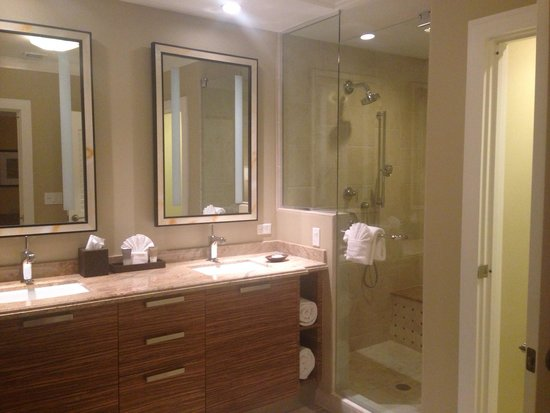 Hyatt Siesta Key Beach Resort, A Hyatt Residence Club : Extra bath