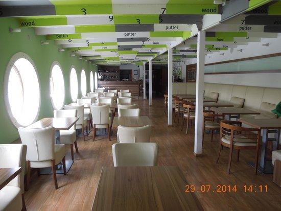 Greenyacht Hotel: Restaurant unter Deck