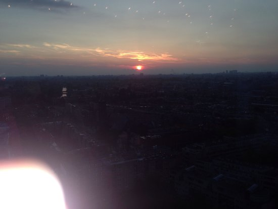 Hotel Okura Amsterdam : Sunset from the twenty three bar