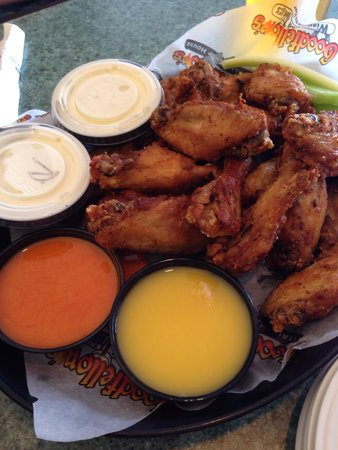 Goodfellow's Italian Chop House: Wings with mild and garlic parm.