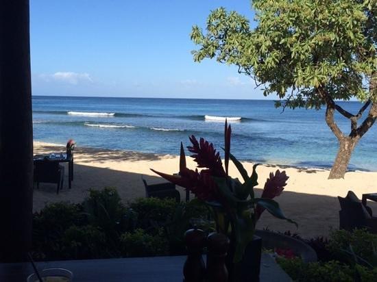 Eratap Beach Resort: lunch view