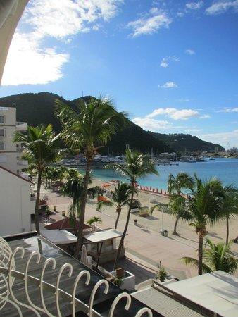 Holland House Beach Hotel: balcony oceanview room