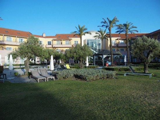 Pestana Sintra Golf Resort and Spa Hotel: Vue arriere de l'hotel Pestana