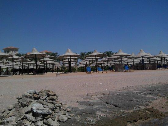 Jaz Mirabel Park : beach