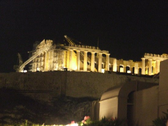 Divani Palace Acropolis: The view from the rooftop restaurant!