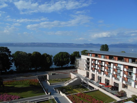 Hilton Evian-les-Bains: Great view of lake.