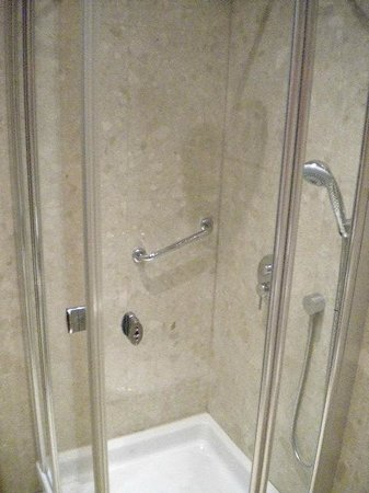 Absolutum Boutique Hotel: Banheiro