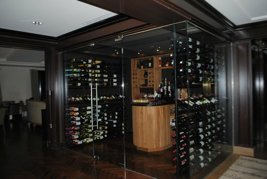 InterContinental Montreal: the wine cellar at the restaurant