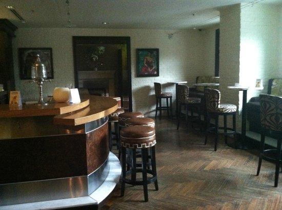 Osco! Restaurant : the bar area