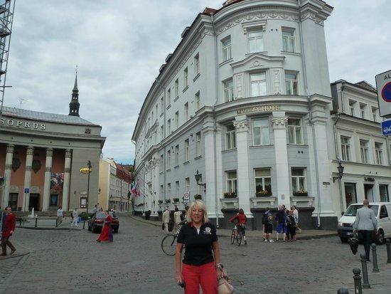 My City Hotel Tallinn: delante del hotel