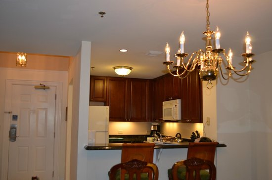 Marriott's Manor Club at Ford's Colony: 2 Bedroom, 2 Bath - Kitchen & Dining Room