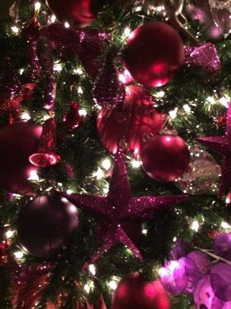 Grosvenor House Dubai: новогодняя елка