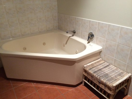 Rydges Rotorua: Worth every cent - spa bath