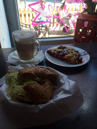 Central Cafe: Nova lox bagel and coffee