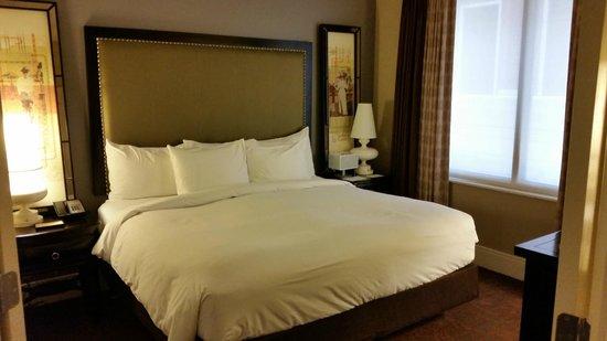 Andaz Savannah: Comfy King Bed